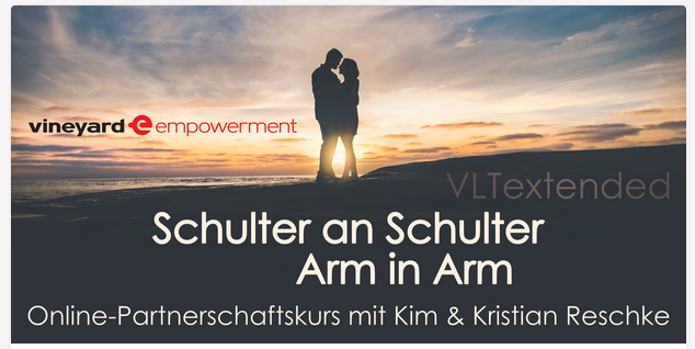 *Schulter an Schulter – Arm in Arm /Online*